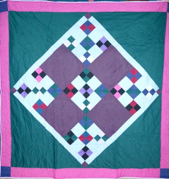 Amish design quilt