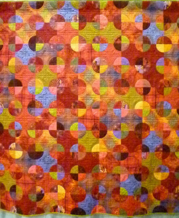 pieced circle quilt